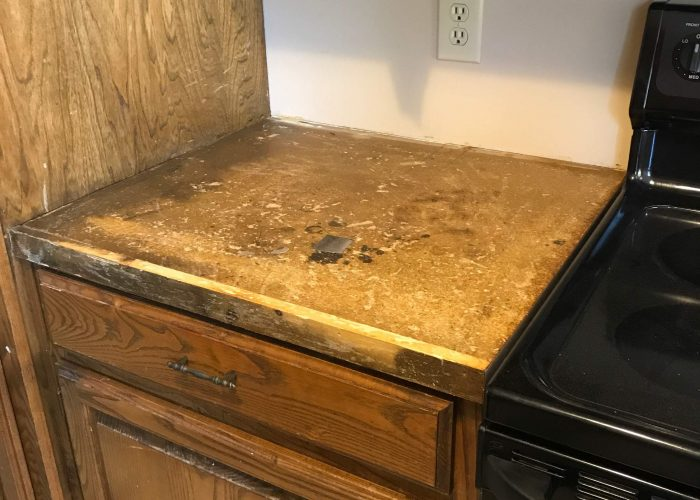 Removing and replacing laminate countertops